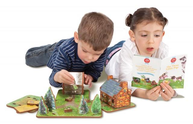 3Pigs-kids-playing