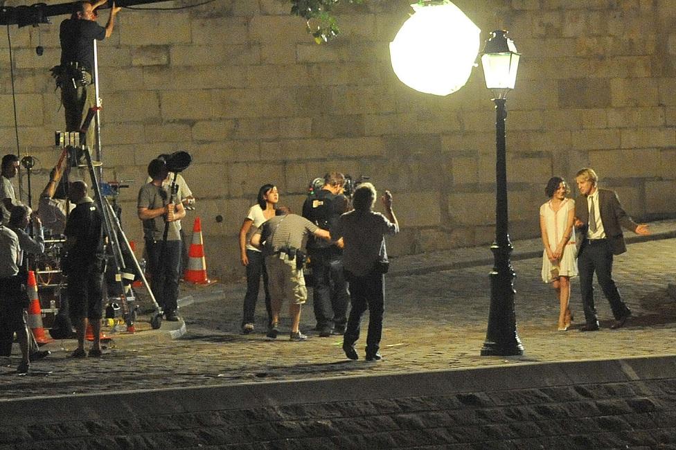 """Tournage du film """"Minuit a Paris"""" de Woody Allen. SPE. Prioli"""